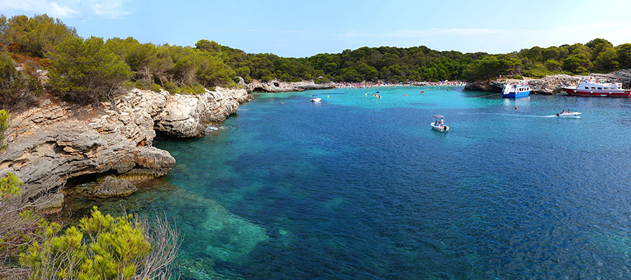 best beaches in Menorca_Cala Talaier