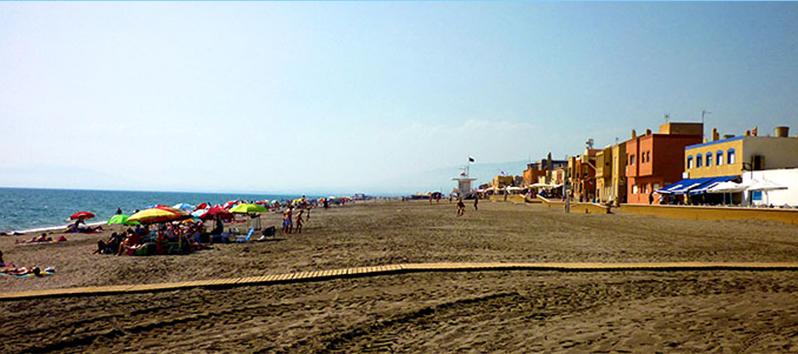 best beaches to visit with kids, Playa de Sant Miguel de Cabo de Gata (Almeria)