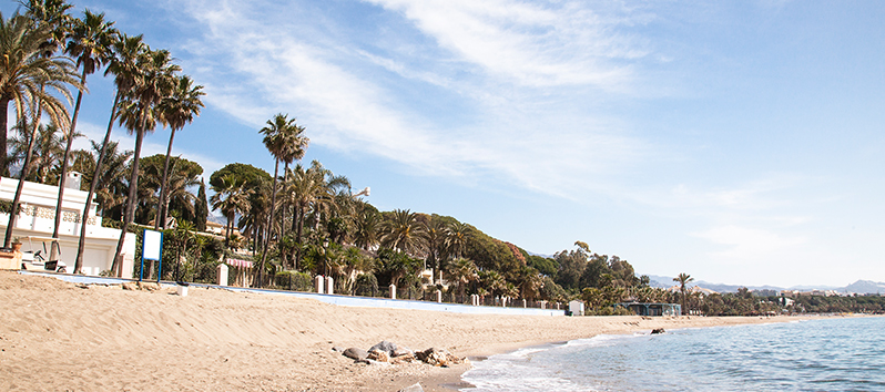 best beaches to visit with kids, playa de Casablanca (Málaga)
