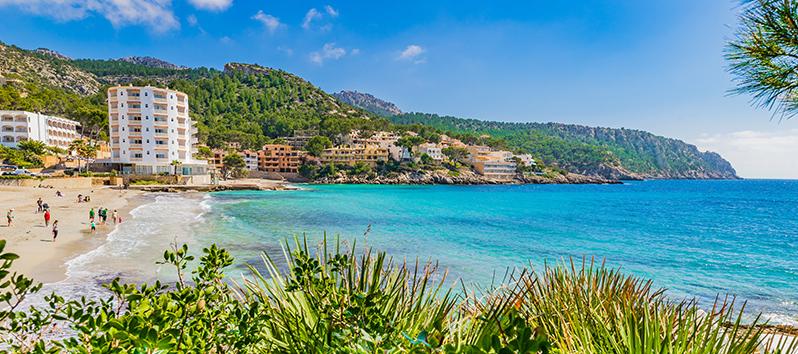 best beaches to visit with kids, Playa de Sant Elm (Mallorca)