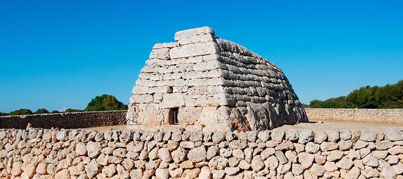 spots in Menorca, Naveta des Tudons