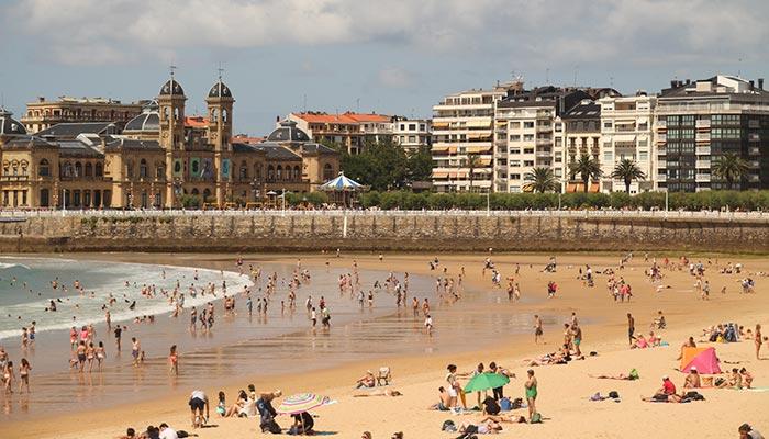 best beaches in Spain, La Concha (San Sebastian)