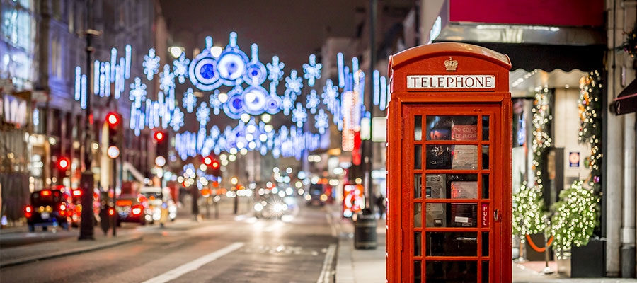 destinations to travel during christmas, London