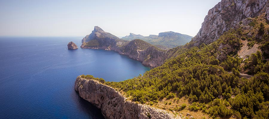 destinations to travel during christmas, Mallorca