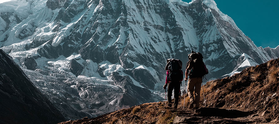 sports to practice as a couple, Trekking