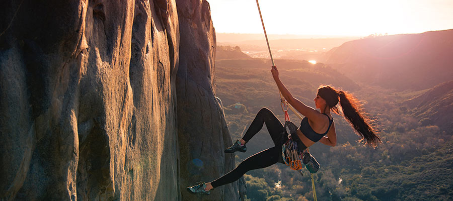 sports to practice as a couple, climbing