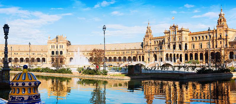 travel on Valentine's Day, Seville (Spain)