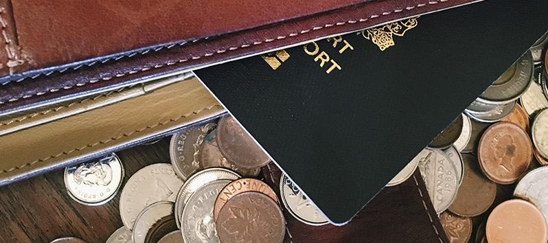 consejos para viajar solo, pasaporte