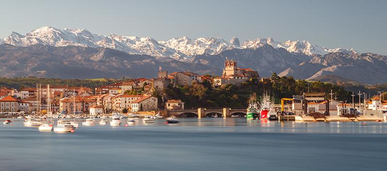 Pueblos pesqueros de España, San Vicente de la Barquera (Cantabria)