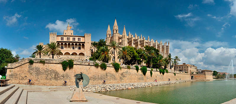 Majorca and Joan Miró_sculptures Palacio Real de la Almudaina